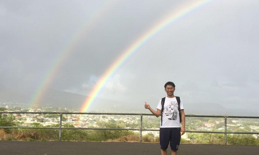 ハワイでダイヤモンドヘッドを登る ダブルレインボーに遭遇